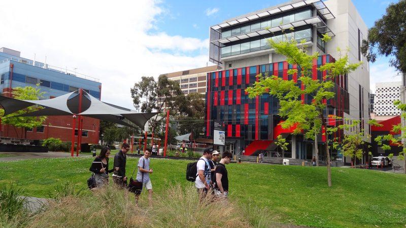 ทุนการศึกษา Swinburne University of Technology 2018